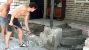 Демонтаж крыльца загородного дома (Москва и московская область)