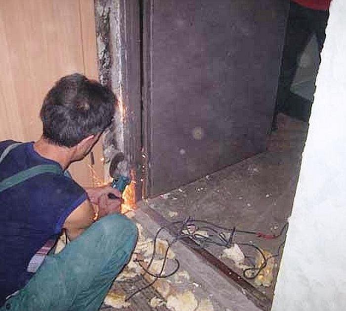 демонтаж входной двери услуги