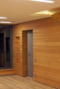Внутренняя отделка коттеджа планкеном. Устройство декоративной ниши в стене
