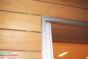Монтаж внутренних перегородок, обшивка лиственницей (планкен), установка алюминиевых дверных коробок