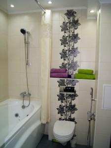 Демонтаж перегородки меджу туалетом и ванной. Сантехнические и плиточные работы, установка сантехники