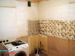 Демонтаж кухни и настенной плитки