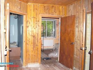 Демонтаж обшивки стен в коттедже