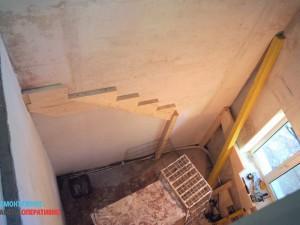 Штукатурка стен, монтаж лестницы