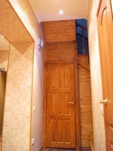 Установка двери в кладовую