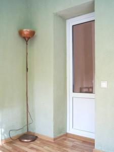Покраска стен балкона