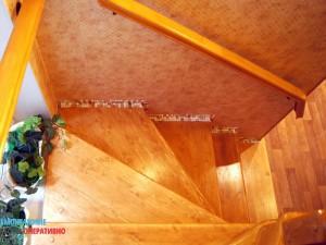 Декоративная отделка лестницы в коттедже