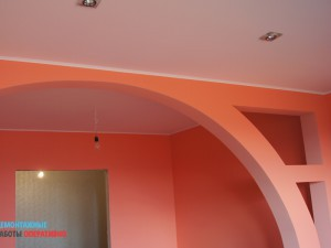 Покраска потолка и декоративной перегородки