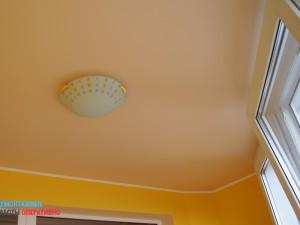 Установка потолочного светильника на балконе