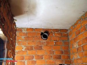 Демонтаж вентиляционного патрубка