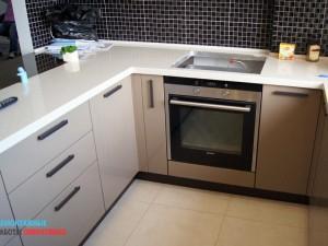 Сборка кухни, подключение бытовой техники